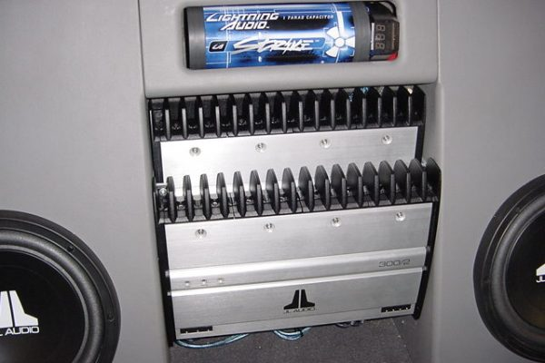 0120F15020Subs-Amp20Rack20C