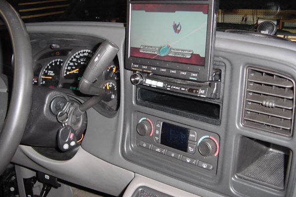 0320Suburban20Alpine20Flip20out20Screen